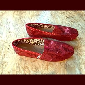 f8c2e4b24b0 Toms Shoes - NEW Red Sparkle Toms!! Women s Size 7
